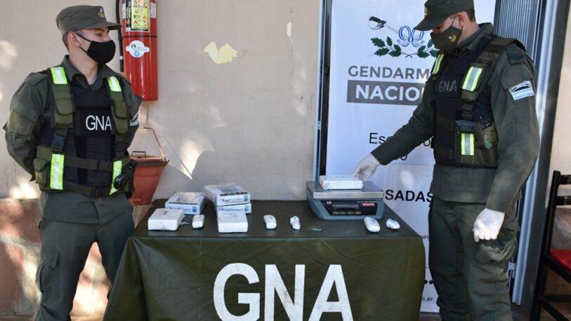 Secuestraron más de tres kilos de cocaína ocultos en un remís