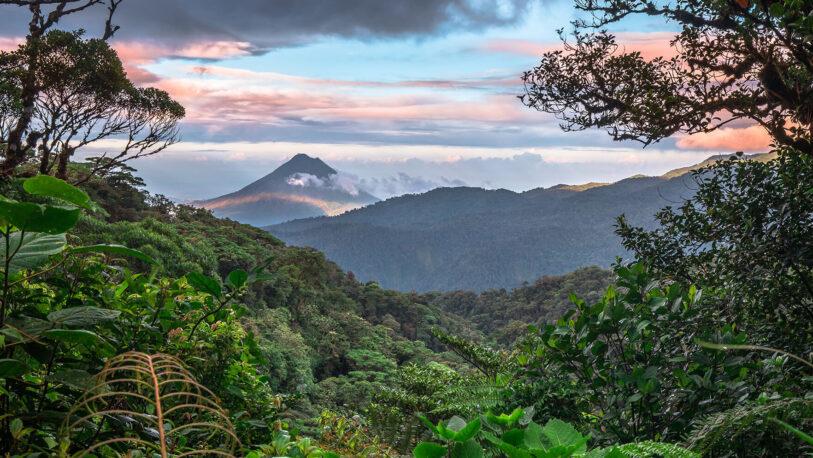 Costa Rica quiere prohibir la explotación petrolera y ser líder en materia ambiental