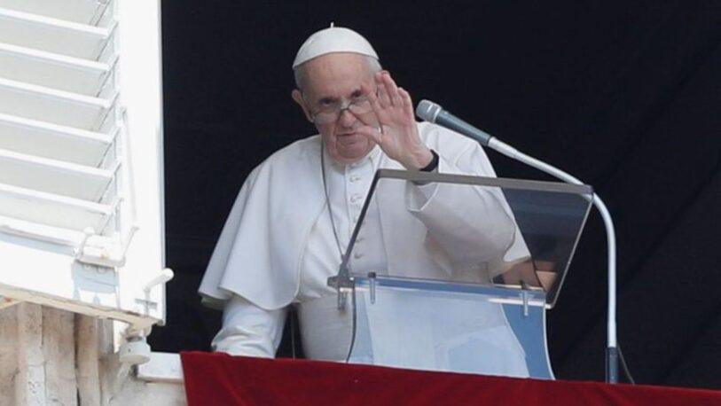 """El papa pide """"diálogo y solidaridad"""" en Cuba"""
