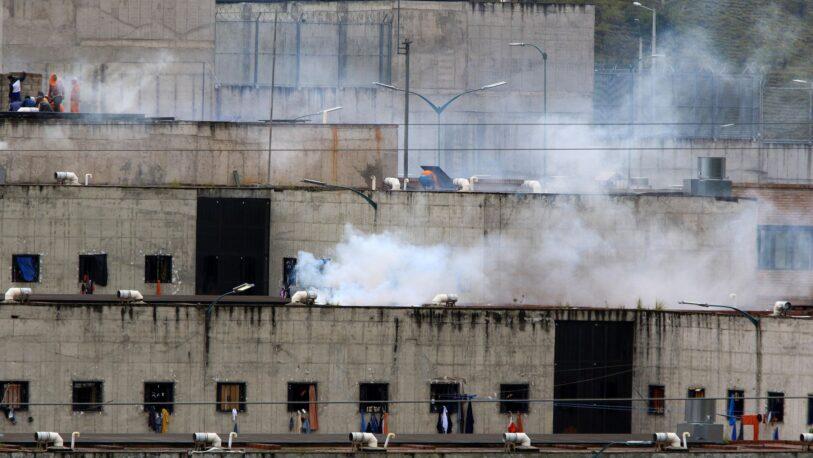 Motines en cárceles de Ecuador dejan 18 muertos y 50 heridos
