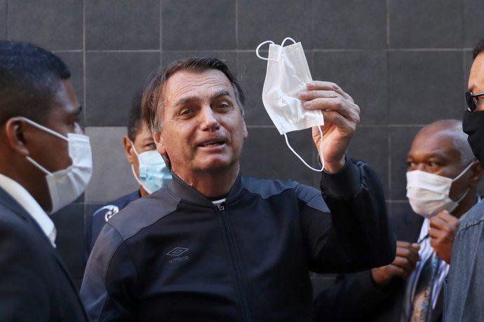 Bolsonaro recibió el alta médica tras cuatro días de internación