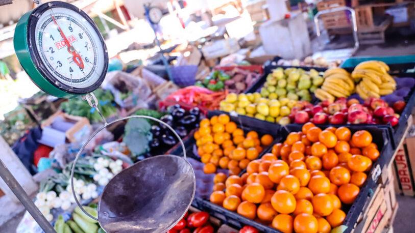 Solo uno de cada tres argentinos consume frutas y verduras al menos una vez al día