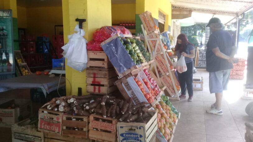 Verduras para sopas y cítricos: lo que más compran los posadeños en las verdulerías