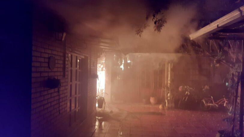 Por una salamandra, se incendiaron dos casas en barrio 25 de Mayo
