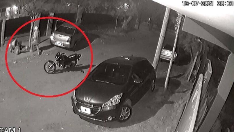 Posadas Insegura: Bajó del auto y fue atacada por un motochorro
