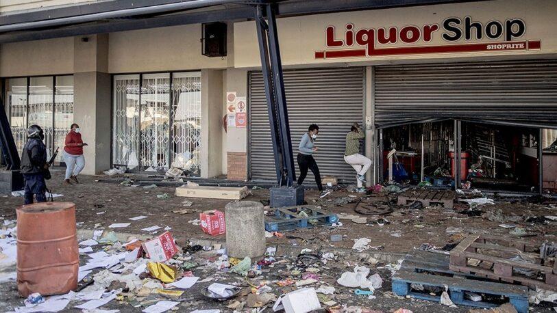 """Sudáfrica: Declararon en """"estado de desastre"""" en las zonas de protestas"""