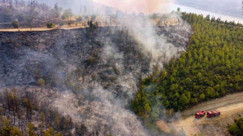 Incendios golpean Europa y cientos de personas son evacuadas