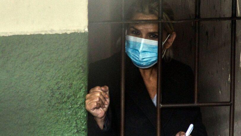 Bolivia: Ordenan otros seis meses de cárcel para Jeanine Áñez
