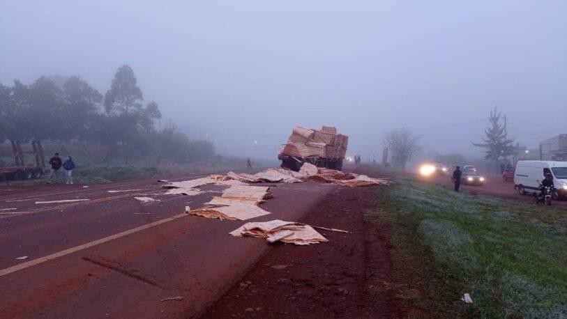 Choque de camiones en San Vicente