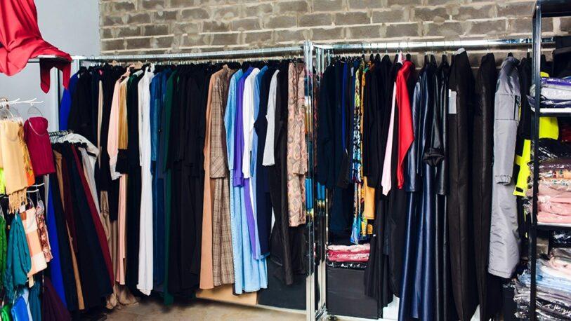 Crece la tendencia de vender y comprar ropa usada en pandemia