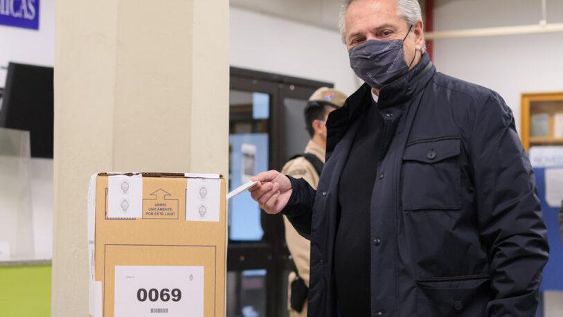 Denuncian la urna donde votó el presidente por daño a su faja de seguridad