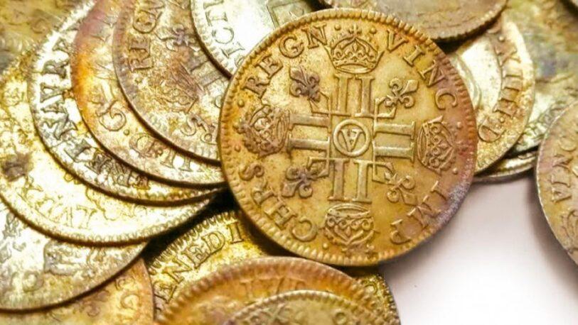Descubrieron monedas de oro acuñadas antes de la Revolución Francesa