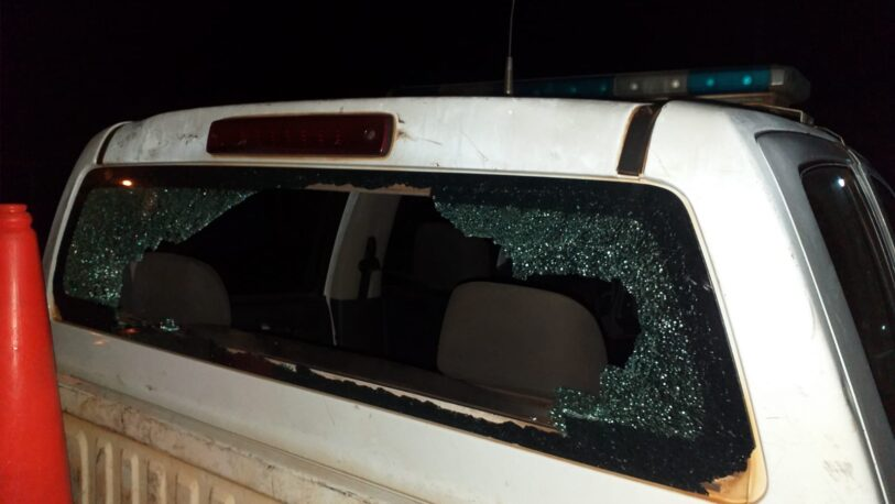 Desorden en Garupá: agredieron a policías y destrozaron patrullero