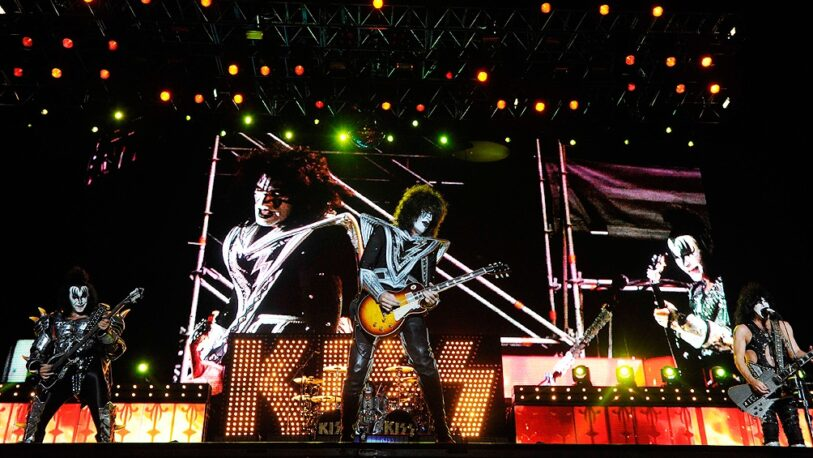 Kiss canceló shows por covid positivo de Gene Simmons