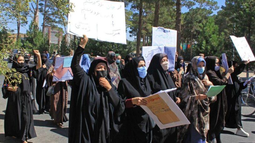 Mujeres afganas protestaron para reclamar por sus derechos