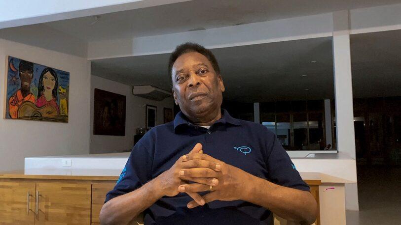 Pelé fue operado de un tumor en el colon y se encuentra en terapia intensiva