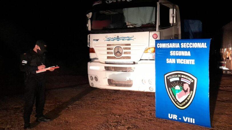 Secuestraron camiones con carga de maíz ilegal en San Vicente y Colonia Aurora