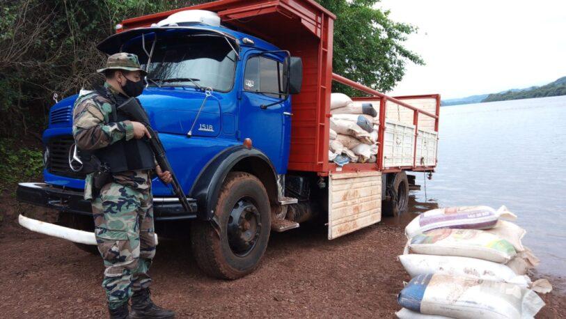Secuestran cerca de ocho toneladas de granos de soja