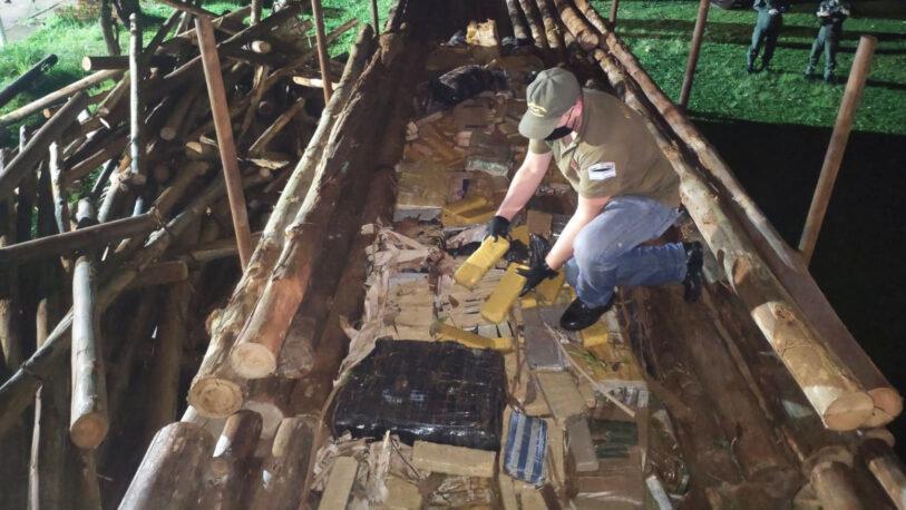 Trasladaban más de cinco toneladas de marihuana entre rollos de madera