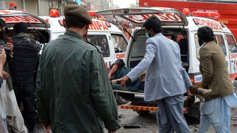 Al menos cuatro agentes murieron en un atentado suicida de los talibanes en Pakistán