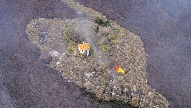 La increíble historia de la casa que sobrevivió al volcán en La Palma