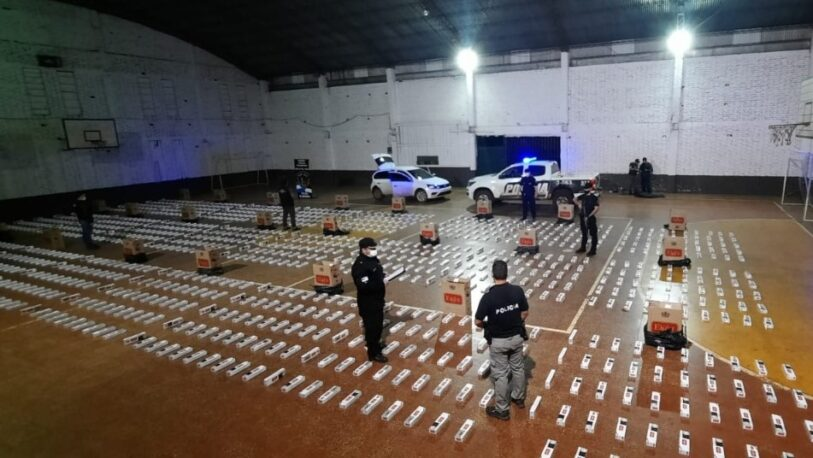 El Alcázar: Interceptaron un auto robado con 1200 cartones de cigarrillos ilegales