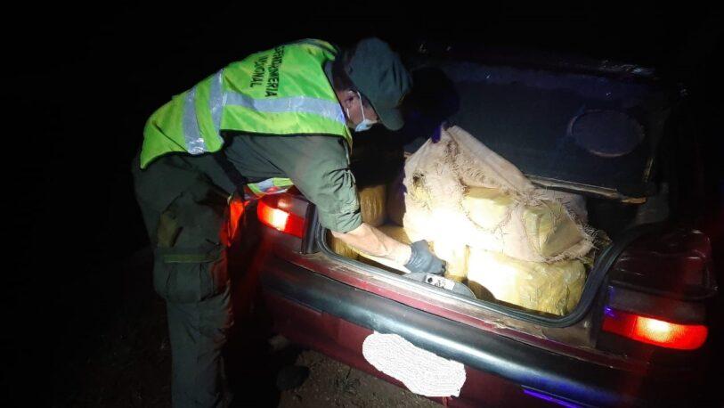 Secuestraron más de 300 kilos de marihuana abandonadas en un automóvil