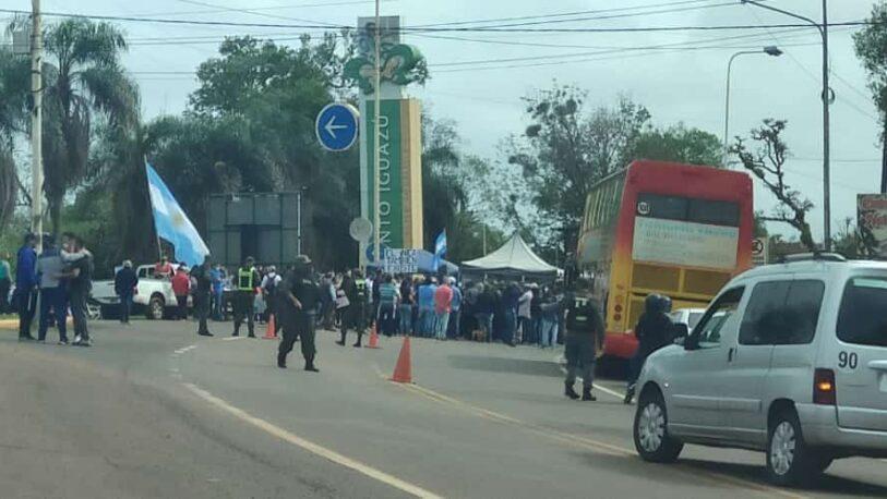 Manifestaciones en Puerto Iguazú por la apertura de la frontera