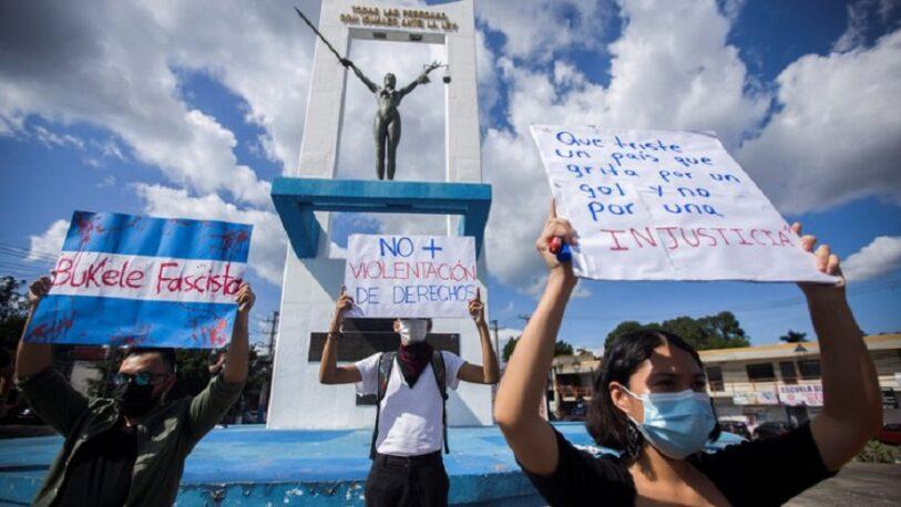 Salvadoreños se manifestaron contra de la reelección presidencial