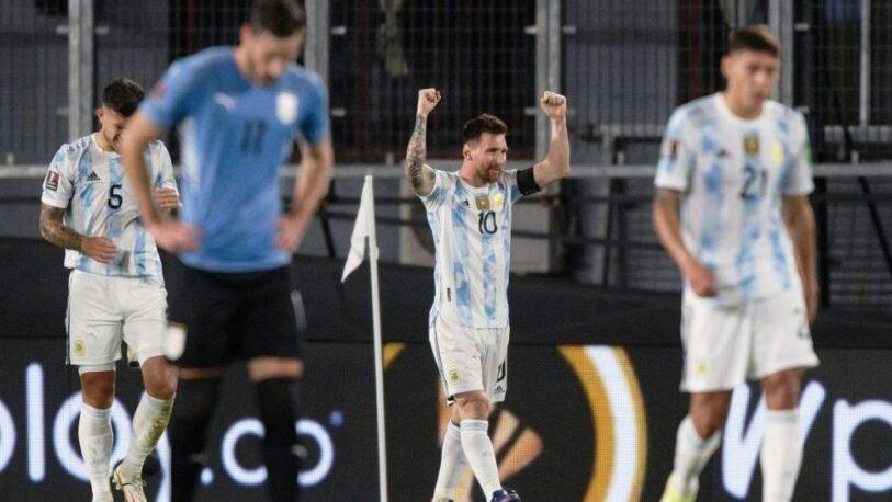 Argentina goleó a Uruguay y se sigue acercando al Mundial