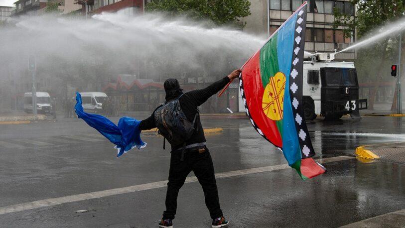 Chile: al menos 18 heridos y 10 detenidos por protesta de mapuches