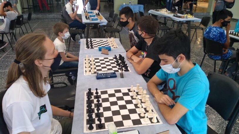 Con récord de participantes, volvió el ajedrez de los inmigrantes
