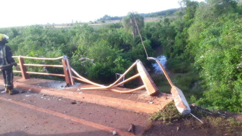 Falleció un hombre al despistar con su automóvil y caer de un puente