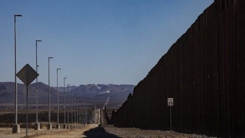 EEUU frenará la construcción del muro en la frontera con México