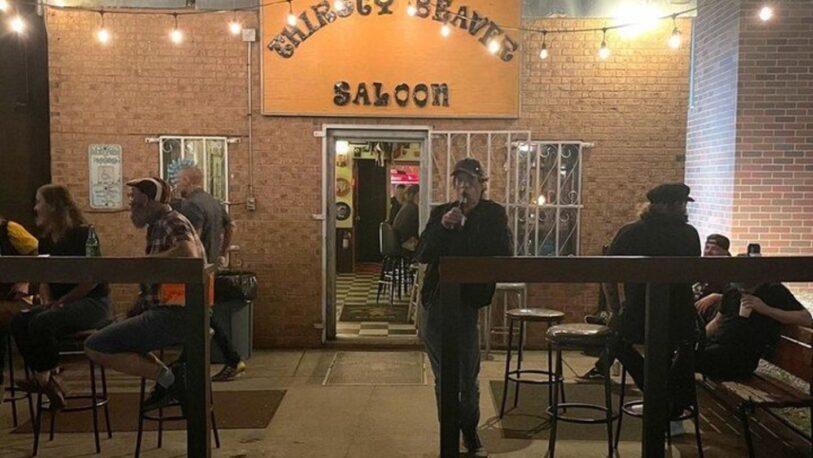 Mick Jagger tomó una cerveza en un bar y nadie lo reconoció