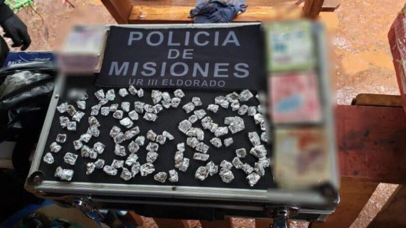 Buscaban objetos robados y hallaron cocaína oculta en el cielorraso de una casa