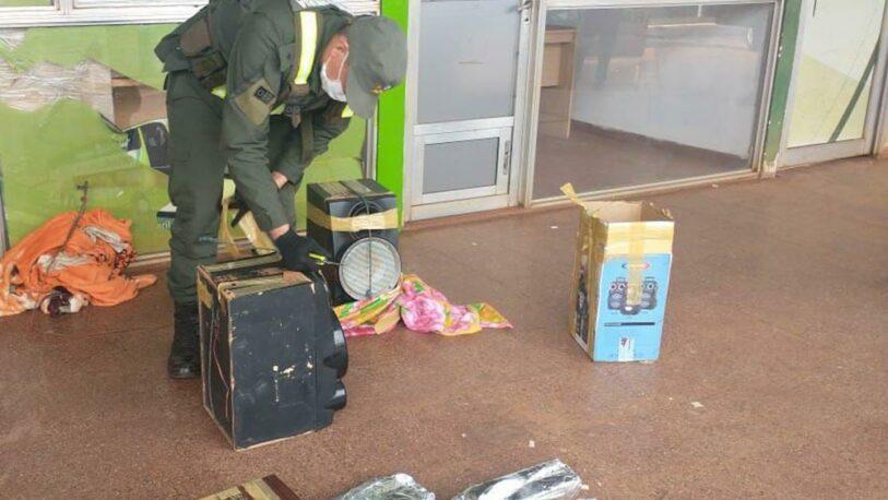 Hallan marihuana escondida en parlantes en la Terminal de San Ignacio